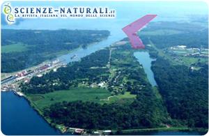 Area in cui il progetto di ampliamento del Canale prevede di sistemare la terza serie di chiuse. In rosso è evidenziato il percorso della nuova via d'acqua (fonte: Wikipedia).