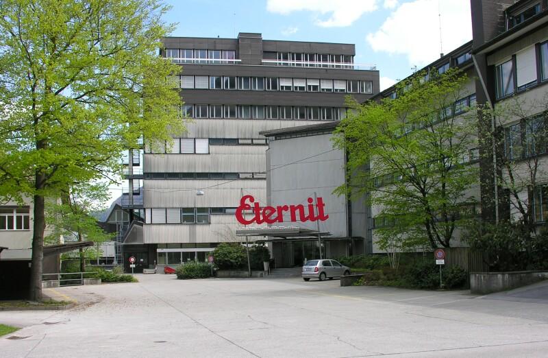 La fabbrica Eternit (Schweiz) AG in Svizzera, attualmente