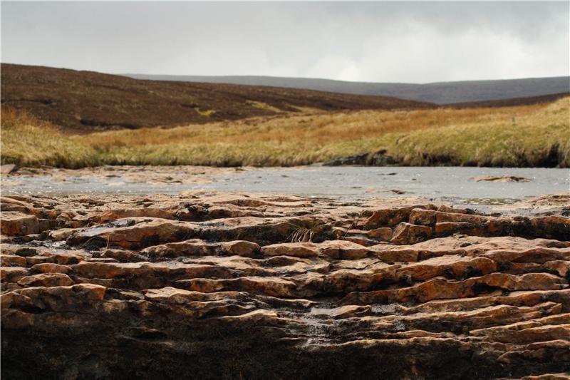 Letto asciutto di un fiume nel nord dell'Inghilterra                                                 (credit: Catherine Moody)