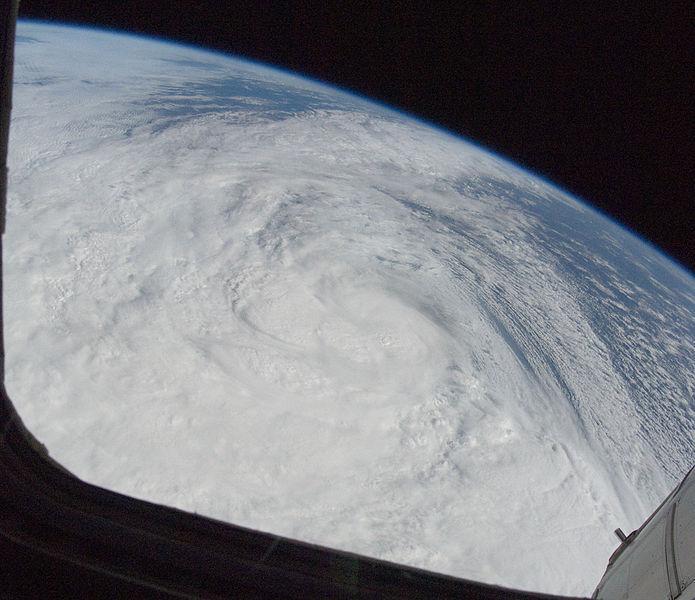 L'uragano Sandy visto dallo spazio (Wikicommons)