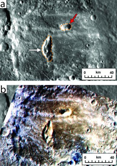Due condotti vulcanici all'interno di un cratere di Mercurio. L'immagine sotto, in falsi colori, mostra i depositi piroclastici in marrone.