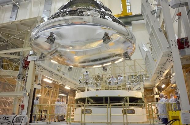 Assemblaggio di Orion (Fonte Astronautinews)