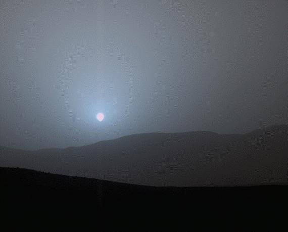 Tramonto sul pianeta rosso dopo una tempesta di sabbia. Fonte NASA/Jpl